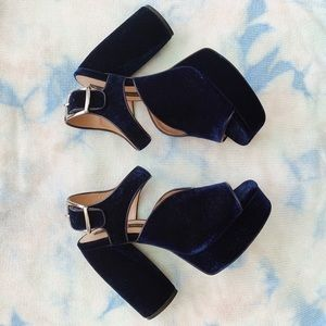 Zara Navy Velvet Platform Heels 💙 NWOT